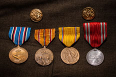 WWII US medals and Japanese medal