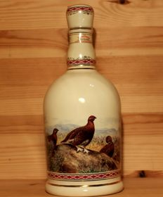 The Famous Grouse Finest Scotch Whisky, porcelan Decanter, 70cl 40%vol., Highland Decanter, gilded with 24 carat gold