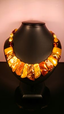 Genuine Baltic Amber necklace, length 48 cm, 55 grams