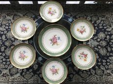 H&C Heinrich, Selb Bavaria, dessert set for 6 with cake dish in fine decorated porcelain with gilded rim and hallmarked