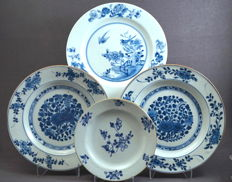 Collection of 4 flat plates - China - 18th century