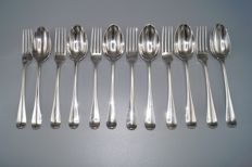 Six silver dinner place settings, model Dutch smooth, H.W. Moolenijzer, Amsterdam, 1909, 1912 and 1921