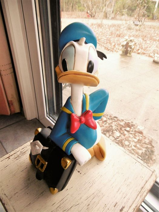 Disney, Walt - Figure - Donald Duck with suitcase (c. 1995)