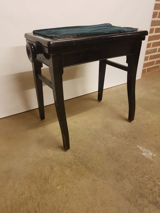 Antique adjustable piano bench