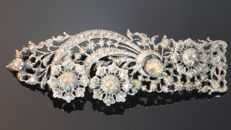 Ajour work brooch with diamonds originating from traditional Dutch jewellery from 1870
