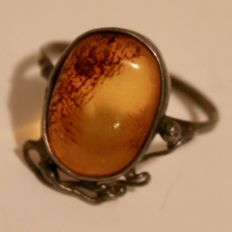 ca. 1920/40 Art Deco hand made silver ring with large cabochon cut Baltic Amber approx.  14,5x11mm