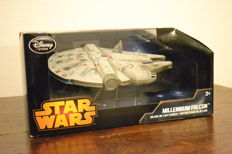 "Millennium Falcon ""Star Wars"" collection Disney Store Original"