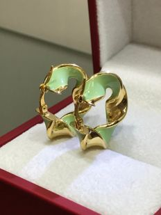 14 kt Yellow gold earrings with green enamel