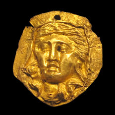 Roman Gold Inlay, Head of a Venus, 2.8 cm L / Gold = 1.4grms