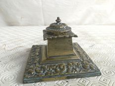 Bronze inkwell with many engravings - Italy, ca. 1890