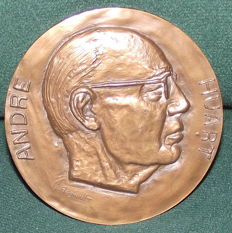 Big medal of ANDRE HUART, General Director of the Corporate Bank of building and public works 1919-1968