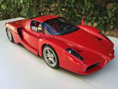 Ferrari Enzo car, scale 1:10 DeAgostini collectable car, Italy