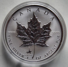 "Canada - 5 dollars 1998 Maple Leaf"" privy mark in set with postage stamps - 1 oz of silver"