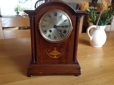 German table clock - Early 20th century