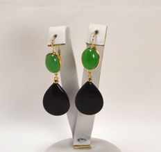 Earrings in 18 kt gold with droplets of onyx and green jade - 18 x 55 mm