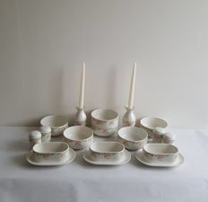 Villeroy & Boch, Miami: 6x round vegetable/salad bowls, 3x Sauciere with integrated saucer, 2x candle holders, 2 x salt shakers, 2 x pepper sifters