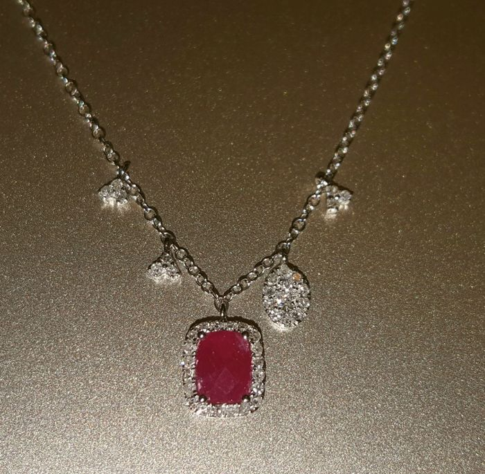 Meirat 18 Ct. White Gold Necklace With Ruby (0.90 ct.) and Diamonds (0.30 ct.) - 2.49 g - 43cm