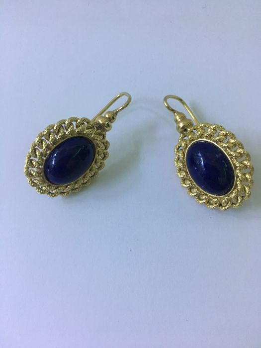 Yellow gold earrings with lapis stone