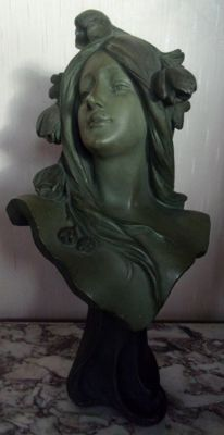Aristide of Ranieri (1880-1914) - large statue of a woman in terracotta - signed - Art Nouveau