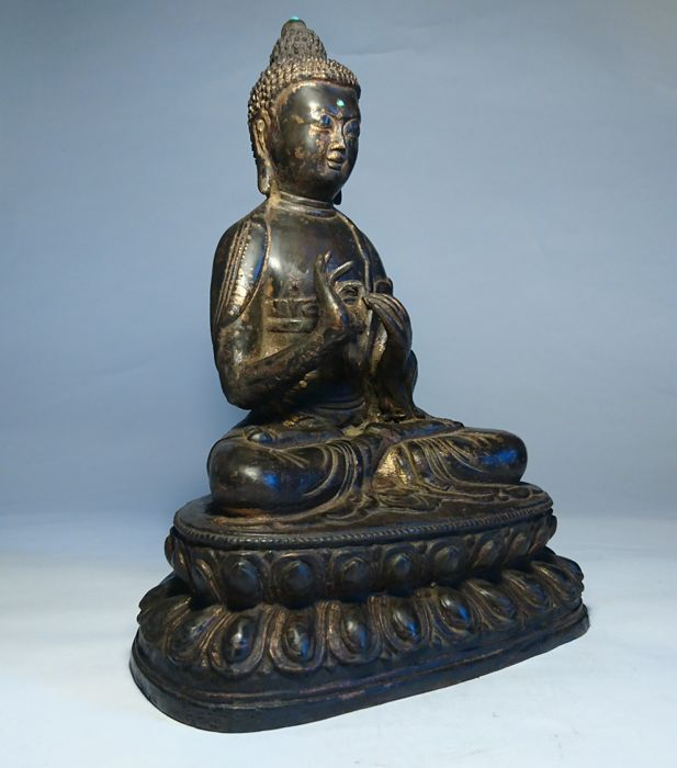 Bronze Buddha - Gold Gilt and Laquer Remnants - Nepal - late 20th century (29cm)