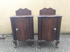 Pair of walnut bedside tables with raised backs, soft lines and paw feet - Italy - 20th century