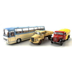 Minichamps Spoor 0 - scale 1/43 - 439 035181/439 017070/439 50000 - three model cars including Mercedes Benz truck, Bogward B4500 tanker and Mercedes Benz Bus