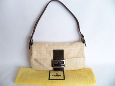 Fendi pochette -*No Reserve Price!*