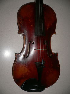 Old Bohemian violin with unclear label from F? Homolka, 1882?, body entirely intact