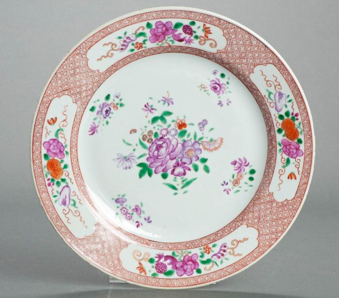 Large Qianlong Famille Rose plate 26cm - China - ca 1770 Qing Dynasty