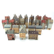 Faller/Kibri/Pola/Vollmer Scenery H0 - Street and separate buildings with 25 large half-timbered houses and town houses partially with lighting
