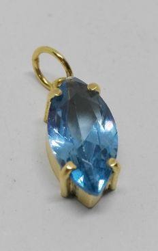 Pendant in 18 carat yellow gold with blue topaz of 3.50 ct