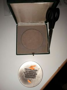 Medal for business / industry in case, rare
