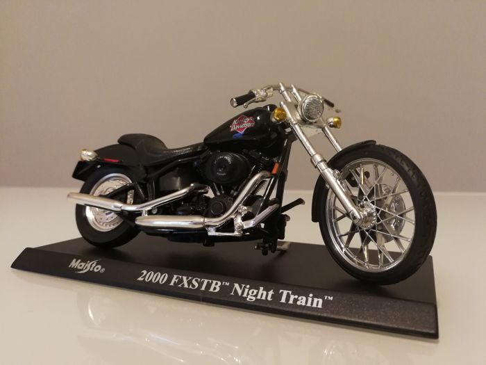 Maisto - Scale 1/18 - Lot with 50 models: 50 x Harley Davidson - Catawiki