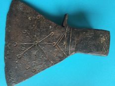 Medieval axe iron with engravings - 180x145mm  1077 g