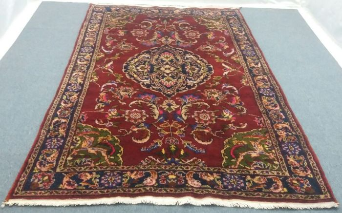 Hand knotted Turkish Rug 5.08 x 8.39 ft (155 x 256 cm)