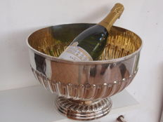 Large gilded silver wine or champagne cooler, Mappin Brothers, Sheffield, 1899