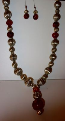 Beautiful long vintage necklace in 1st grade silver and carnelian.