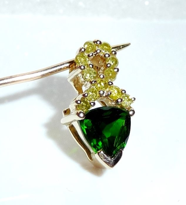 Pendant in 14 kt 585 gold 1 ct russian chrome diopside 022 ct pendant in 14 kt 585 gold 1 ct russian chrome diopside 022 ct aloadofball Image collections