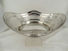 Silver bread basket with pearl edge, J. Krins, Schoonhoven, 1964