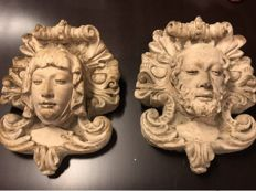 A pair of beautifully designed French stone high reliefs - 19th century