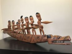 Very long African dragon boat, complete with 9 rowers-beautiful wood carving-Africa-