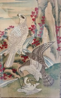 Hand-painted scroll on silk in frame - 'Hawks and Crane' - Japan - 1st half 20th century