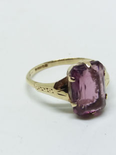 A Large 2.75ct Amethyst Gemstone in 9k/9ct Yellow Gold