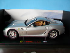 Hot Wheels Elite - Scale 1/18 - Ferrari 599 GTB Fiorano - Silver