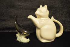 2 Göbel objects - coffee pot in cat form and Orca