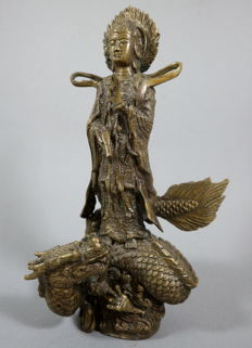 Bronze Guanyin with dragon - China - 2nd half 20th century (25cm)