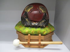 Very large signed mokugyo or wooden fish, Buddhist wooden drum set - Japan - 2nd half 20th century