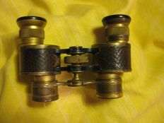 SCHUTZ CASSEL - Baby Binoculars 3 x 15 with case - Germany - circa 1948
