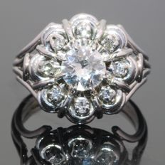 Flower shaped platinum diamond engagement ring from the fifties - Ring size: EU-52 & 16½, USA-6 , UK-L Free resizing!*