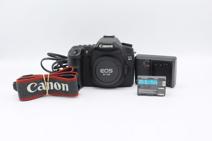 Canon EOS 40D camera body - works well - including original